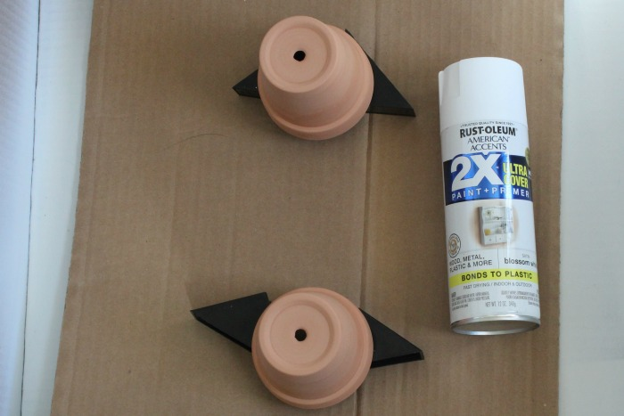 Spray painting clay pots tip