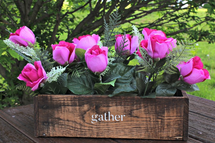 Pallet Wood Rustic Box Centerpieces with Farmhouse Style