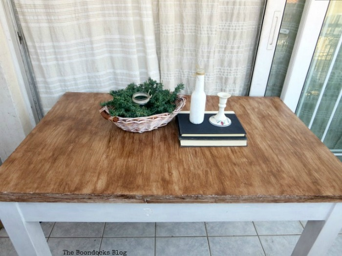 How to Save a Laminate Table With Gel Stain