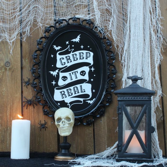 Painted Mirror into Creepy Halloween DIY Decor