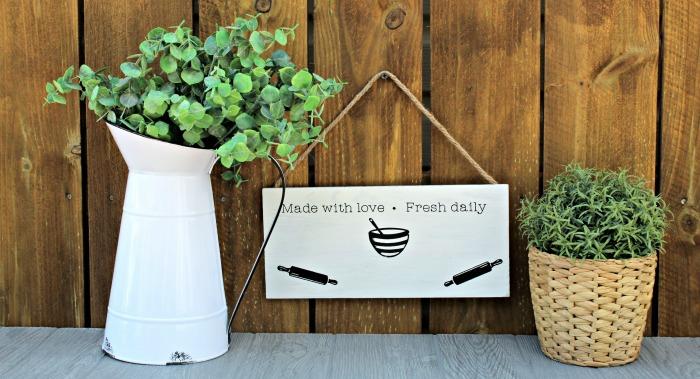 Farmhouse Kitchen Shiplap pallet Sign