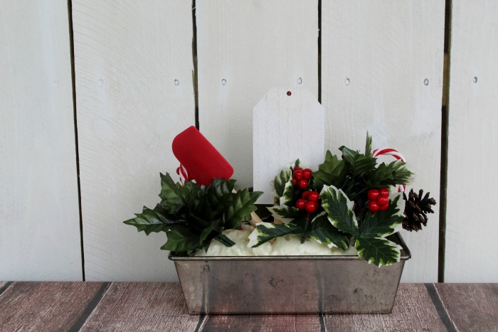 How to make a Christmas Baking Kitchen Centerpiece with Vintage Kitchenware