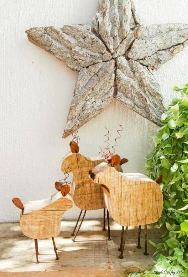 Rustic Wooden Reindeer Family